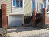 Автоматические секционные гаражные ворота также могут быть окрашены в любой... структура под дерево.